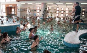 Az aquafitness után a relax is hódít a vízben