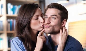 Készítse az ajkait – itt a Csók Világnapja!