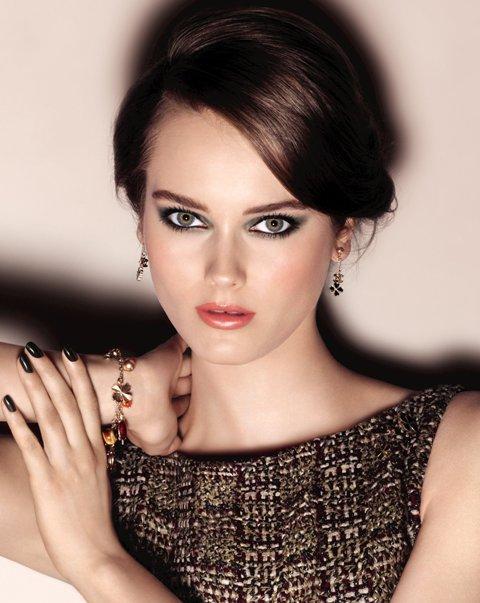 másolat őszi dekor téma Chanel COLLECTION SUPERSTITION_Ad Visual_ww_01