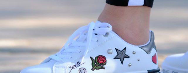 Cipőtrend – Játékos statement sneakerektől a pántos szandálokig