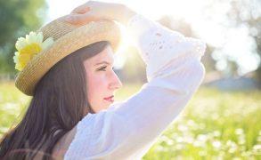 Élvezzük a meleg napsugarakat, de csak megfelelő védekezéssel!